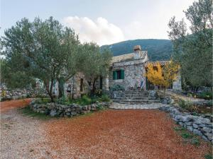 Two-Bedroom Holiday Home in Trpanj