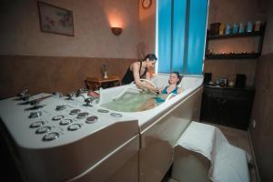 Tsunami Spa Hotel, Szállodák  Dnyipropetrovszk - big - 88
