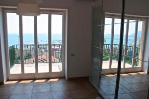 Domina Fluctuum - Penthouse in Salerno Amalfi Coast, Apartmanok  Salerno - big - 14