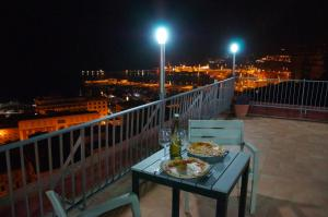 Domina Fluctuum - Penthouse in Salerno Amalfi Coast, Apartments  Salerno - big - 18