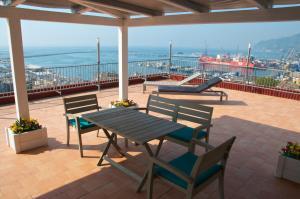 Domina Fluctuum - Penthouse in Salerno Amalfi Coast, Apartmanok  Salerno - big - 24