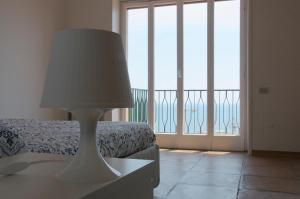 Domina Fluctuum - Penthouse in Salerno Amalfi Coast, Apartments  Salerno - big - 25