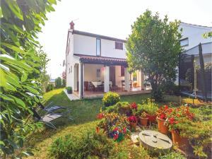 Two-Bedroom Holiday home with Sea View in Fazana, Dovolenkové domy  Fažana - big - 1