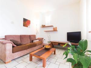 Two-Bedroom Holiday home with Sea View in Fazana, Dovolenkové domy  Fažana - big - 14