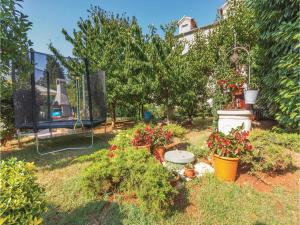 Two-Bedroom Holiday home with Sea View in Fazana, Dovolenkové domy  Fažana - big - 22