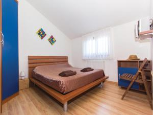 Two-Bedroom Holiday home with Sea View in Fazana, Dovolenkové domy  Fažana - big - 10