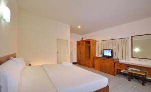 Krabi Grand Place Hotel, Hotels  Krabi town - big - 12