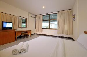Krabi Grand Place Hotel, Hotels  Krabi town - big - 11