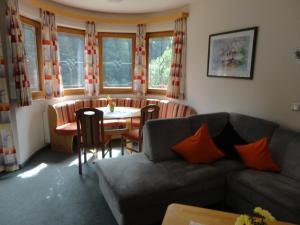 Ferienhaus Regina - Apartment - Hintertux