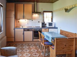 Two-Bedroom Holiday Home in Sellerich, Dovolenkové domy  Sellerich - big - 13