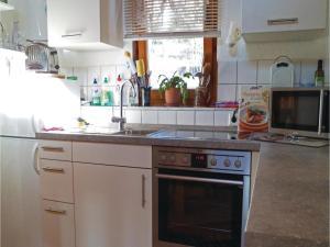 Two-Bedroom Holiday home Breidenstein with a Fireplace 04, Ferienhäuser  Breidenstein - big - 19