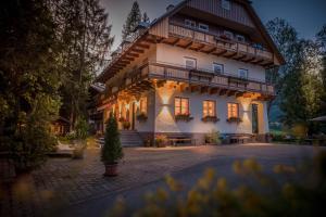 Bio-Holzhaus und Landhaus Heimat, Apartmány  Ramsau am Dachstein - big - 20