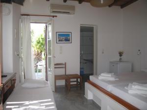 Surfing Beach Village Paros, Hotel  Santa Maria - big - 10