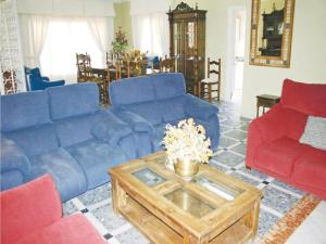 Holiday home Urb El Chaparrito O-511, Дома для отпуска  San Jose del Valle - big - 4