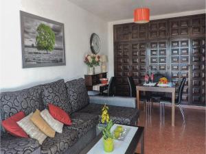 Two-Bedroom Apartment in Nerja, Apartmány  Nerja - big - 10