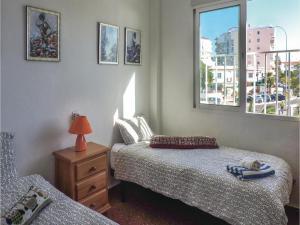 Two-Bedroom Apartment in Nerja, Apartmány  Nerja - big - 3
