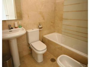 Apartment Riviera Park II bl. 5, apt., Ferienwohnungen  Sitio de Calahonda - big - 5