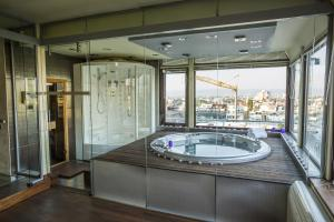 Luxury Penthouse three - level apartment