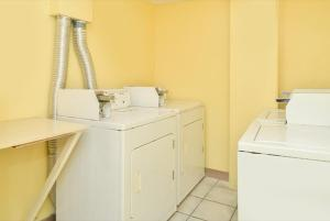 Americas Best Value Inn Sarasota, Motels  Sarasota - big - 21