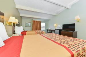 Americas Best Value Inn Sarasota, Motels  Sarasota - big - 2