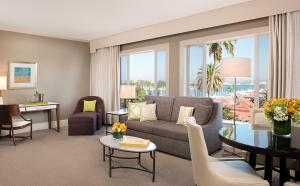 King Suite with Garden or Bay View