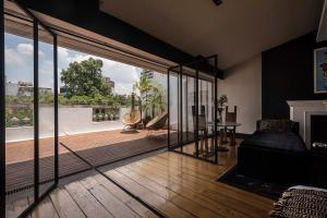 La Terraza Suite