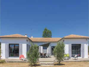 Four-Bedroom Holiday Home in Saze, Nyaralók  Saze - big - 9