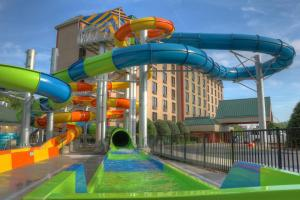 Country Cascades Waterpark Resort, Szállodák  Pigeon Forge - big - 1