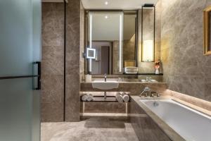 Luxury King Bed Room
