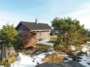Three-Bedroom Holiday Home in Sogne, Nyaralók  Søgne - big - 3