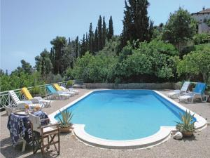Five-Bedroom Holiday home with Sea View in Melissi Korinthos, Ferienhäuser  Melission - big - 1
