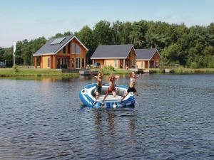 Holiday home Heel 12 with Outdoor Swimmingpool, Case vacanze  Heel - big - 10