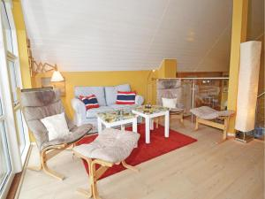 Three-Bedroom Holiday home with Sea View in Blåvand, Dovolenkové domy  Blåvand - big - 2