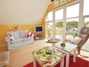 Three-Bedroom Holiday home with Sea View in Blåvand, Dovolenkové domy  Blåvand - big - 13