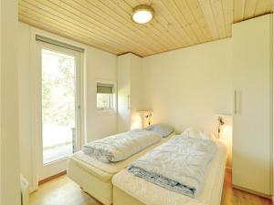 Holiday home Åbrinken Aakirkeby IX, Holiday homes  Vester Sømarken - big - 3