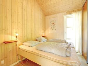 Holiday home Sluseparken Aakirkeby I, Case vacanze  Vester Sømarken - big - 6