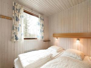 Holiday home Sluseparken Aakirkeby X, Nyaralók  Vester Sømarken - big - 3