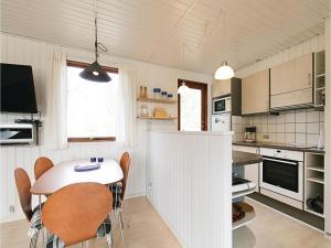 Holiday home Sluseparken Aakirkeby X, Holiday homes  Vester Sømarken - big - 13