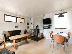 Holiday home Sluseparken Aakirkeby X, Nyaralók  Vester Sømarken - big - 9