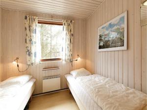 Holiday home Sluseparken Aakirkeby X, Nyaralók  Vester Sømarken - big - 7