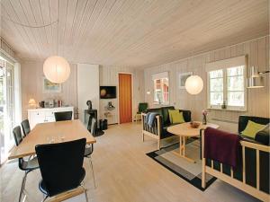 Egernbo, Holiday homes  Vester Sømarken - big - 11