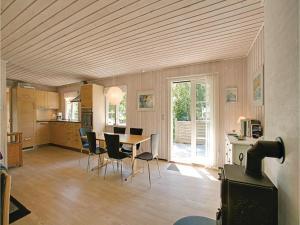 Egernbo, Holiday homes  Vester Sømarken - big - 6