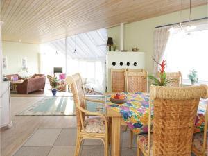 Holiday home Nørre Nebel 56, Prázdninové domy  Nymindegab - big - 10