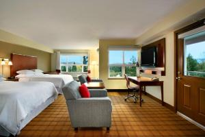 Corner Suite with King Bed