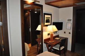 Hotel Ciria, Отели  Бенаске - big - 30