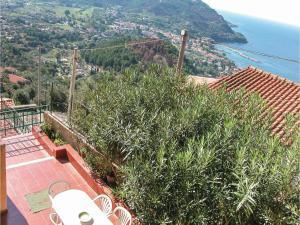 Holiday home Via Porto Cavalieri snc - AbcAlberghi.com