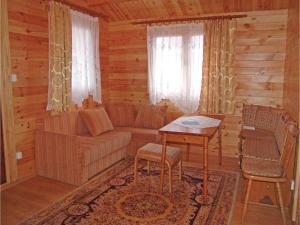 Two-Bedroom Holiday Home in Gaski, Dovolenkové domy  Gąski - big - 8