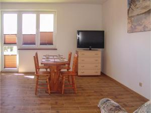 Two-Bedroom Apartment in Gaski, Apartments  Gąski - big - 5