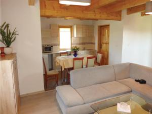 Three-Bedroom Holiday Home in Gaski, Case vacanze  Gąski - big - 4