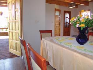 Three-Bedroom Holiday Home in Gaski, Case vacanze  Gąski - big - 9